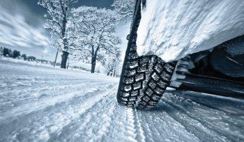 Πώς οδηγούμε στο χιόνι;